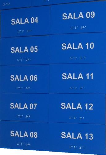Placa de sinalização em braille